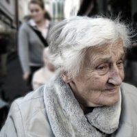 4 avantages à la téléassistance pour personnes âgées